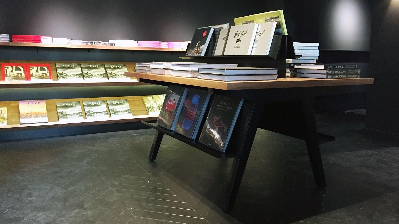 Libraire La Hune Saint Germain Des Pres Efi Design (1)
