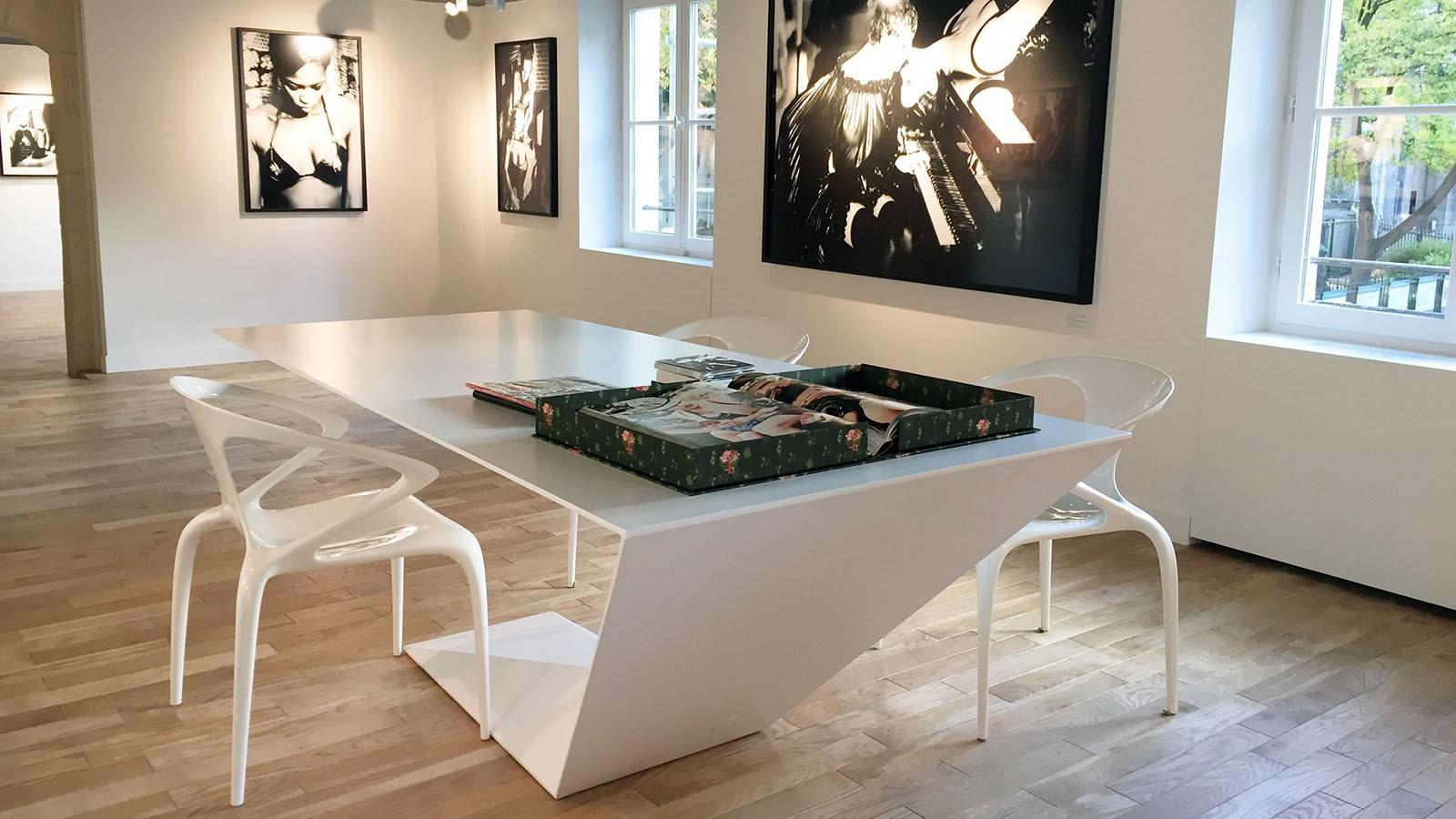 Libraire La Hune Saint Germain Des Pres Efi Design (3)