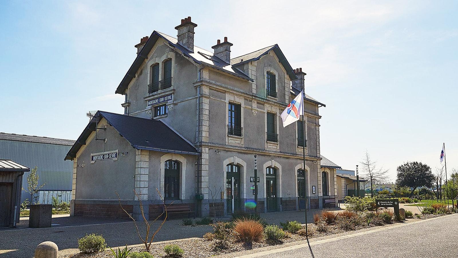 EFI Design Office De Tourisme Mortagne Sur Sèvre 1295