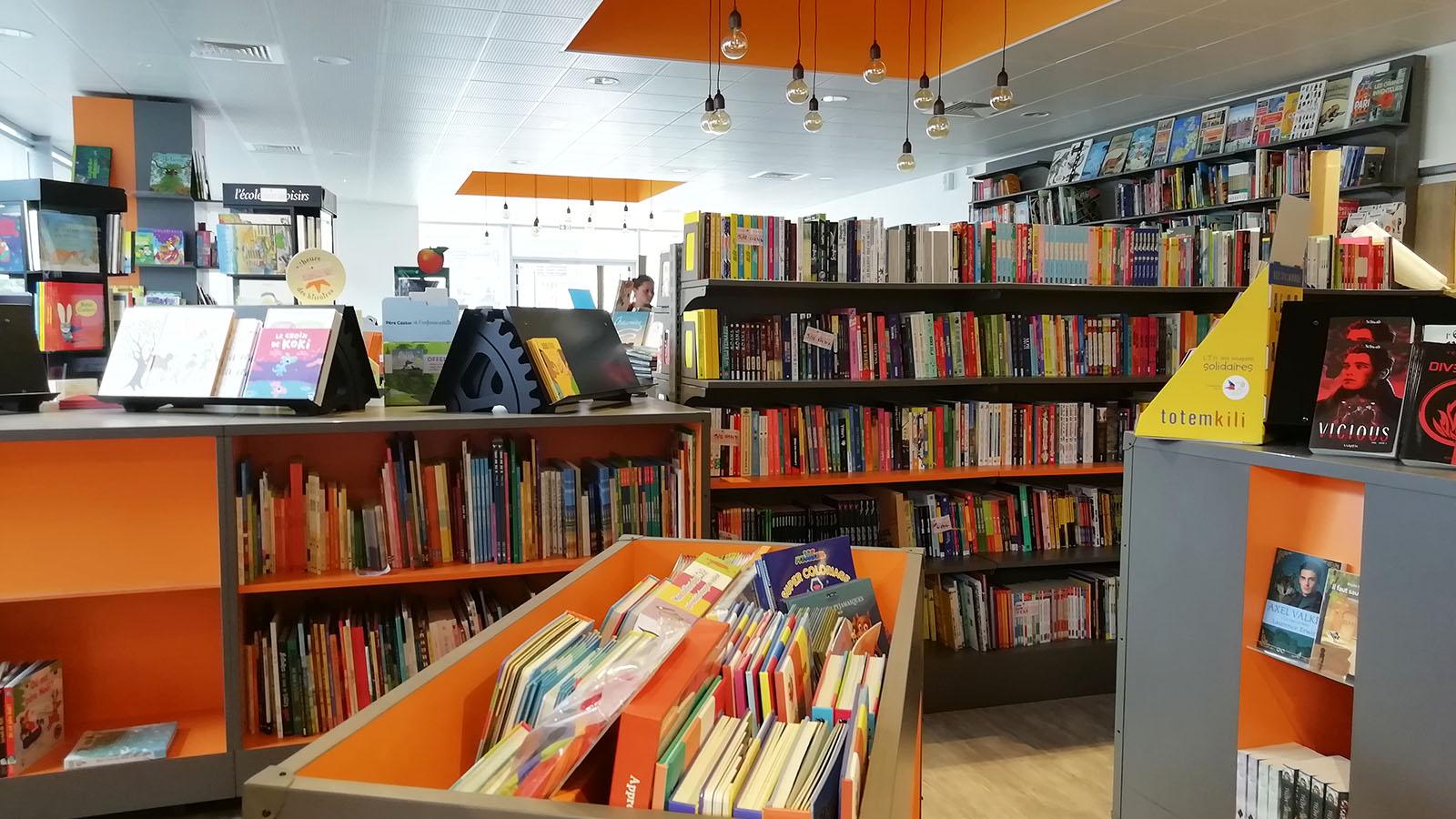 EFI Design EFI Design Librairie La Roche Sur Yon (8) 1386